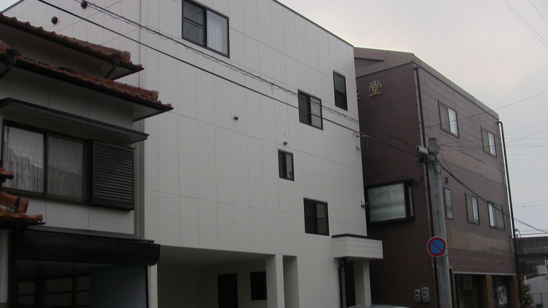 岐阜塗装センター施工実績写真 岐阜市西荘 H様邸 外壁塗装・防水工事